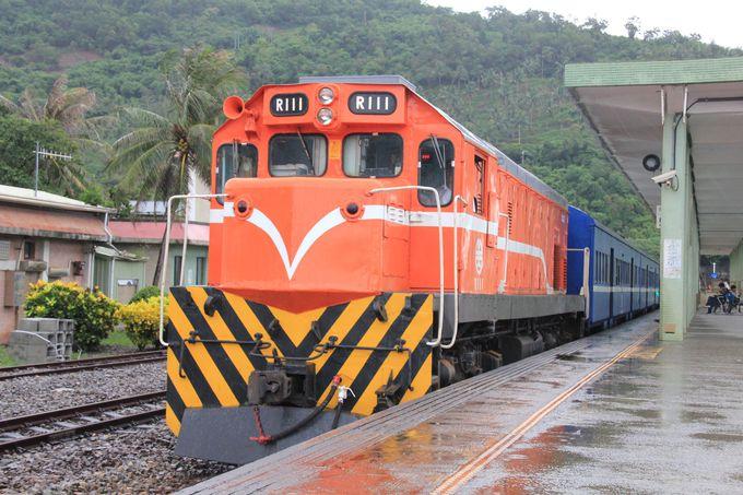 南国情緒たっぷり。普通客車列車で行くのんびり南廻線の旅
