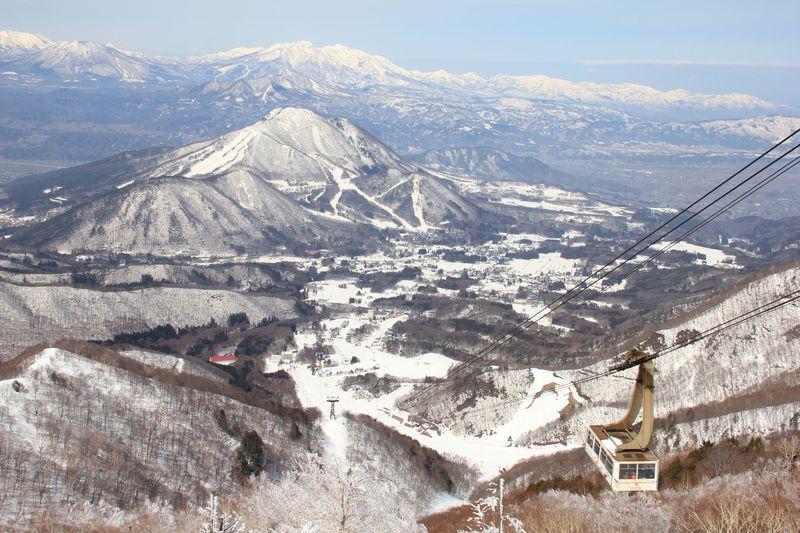 竜王スキーパークは絶景SORA terrace(ソラテラス)とワイドなゲレンデが魅力