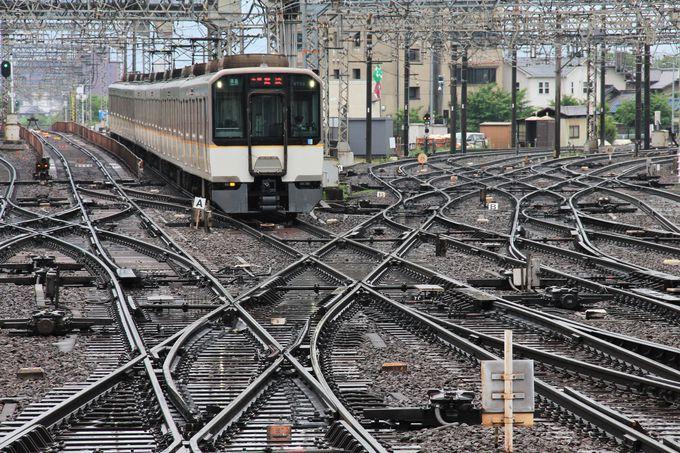 鉄道ファン必見!大和西大寺駅の平面交差線路