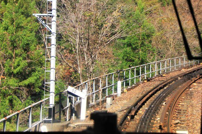 井川線のハイライト、日本一の急勾配と全国唯一のアプト式鉄道
