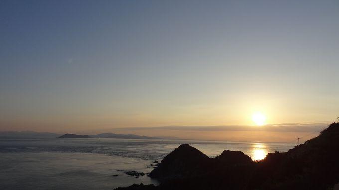 灯台の絶景に感謝♡・・海に残った夕陽の足跡に感激!!