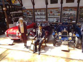 「のれ!みれ!さわれ!写真撮れ!」の福山自動車時計博物館