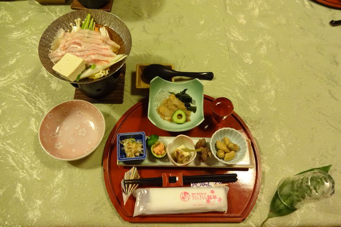 料理長こだわりの「鍋料理」やオリジナル会席料理で満腹♡