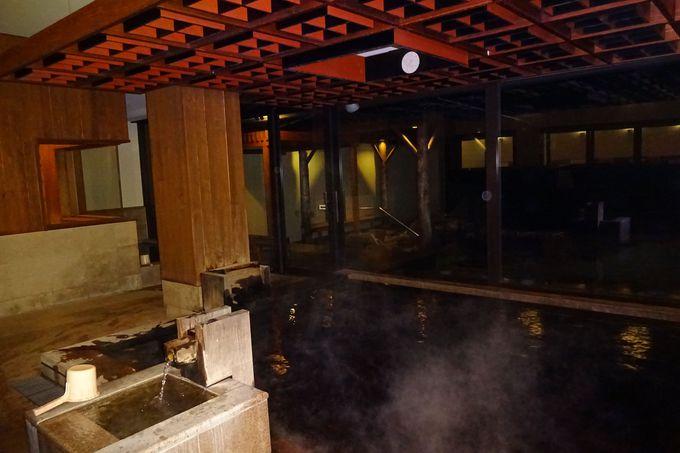 温泉施設「松泉宮」は、太古の海の化石成分を含んだミネラル豊富な湯