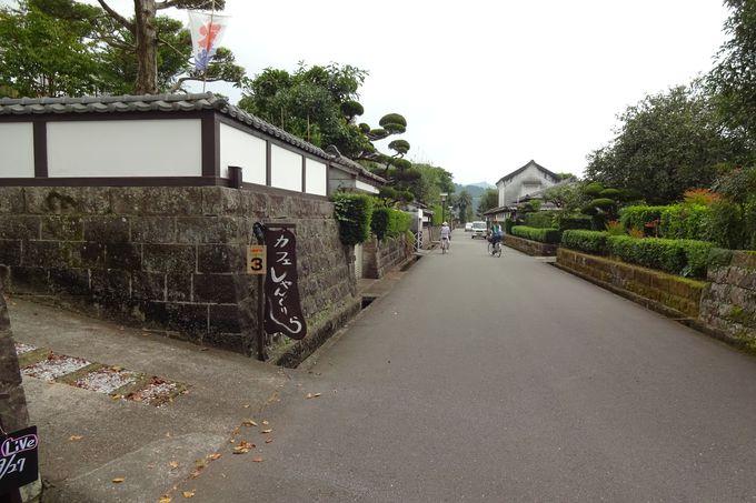 武家屋敷通りの古民家風カフェでお茶もできる♪