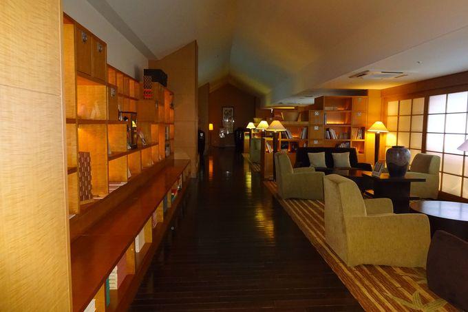 スパライブラリーの落ち着いた空間で、一層贅沢気分!