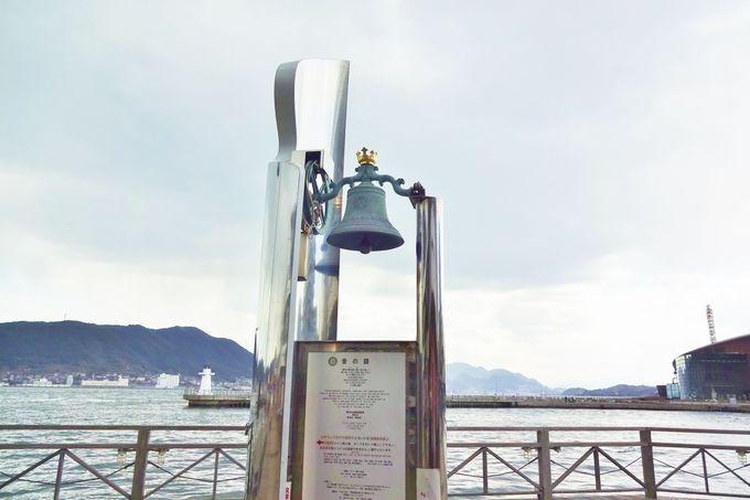 唐戸市場で愛の鐘が鳴り響く♡恋人灯台伝説も・・