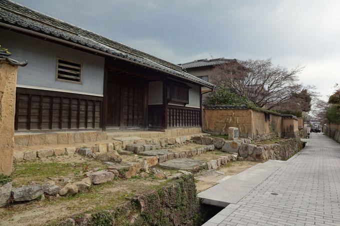 格式ある藩医の家柄・菅家の長屋門