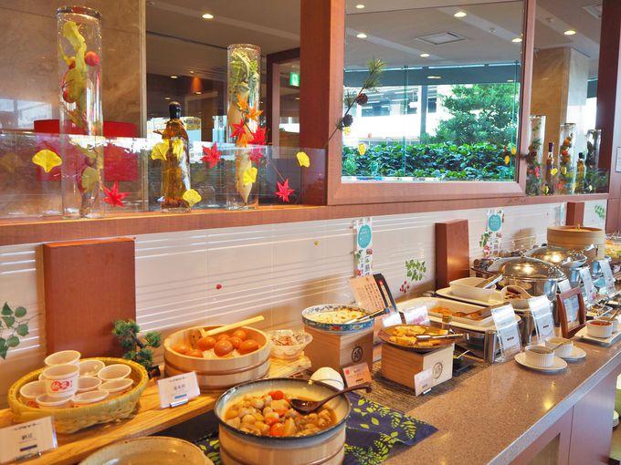朝陽差し込むカフェ&ビュッフェ「クレール」で至福のブレックファスト