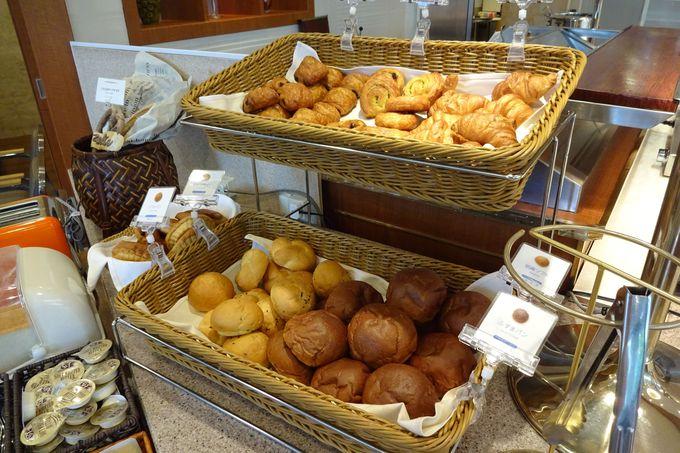 焼き立てパンやホテル特製フレンチトーストなども♪