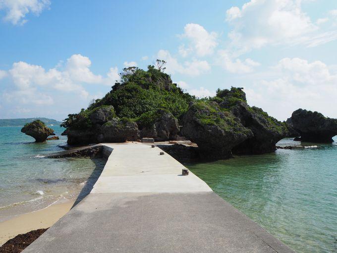 アマンジと呼ばれる小島にある「アマミチューの墓」