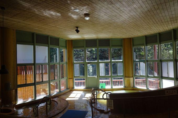 ドイツ風建築のモダンな温泉館「御前湯」でまったり
