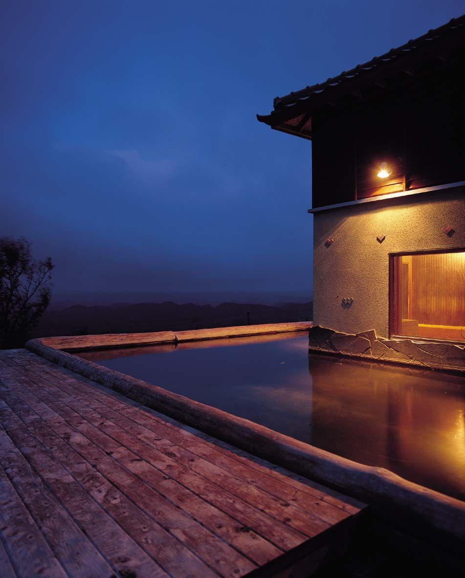 開放感あふれる露天風呂で、満天の星に感激・・朝焼け、夕景も
