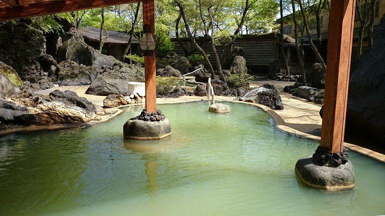 「アーデンホテル阿蘇」に宿泊なら無料で入り放題の極上温泉