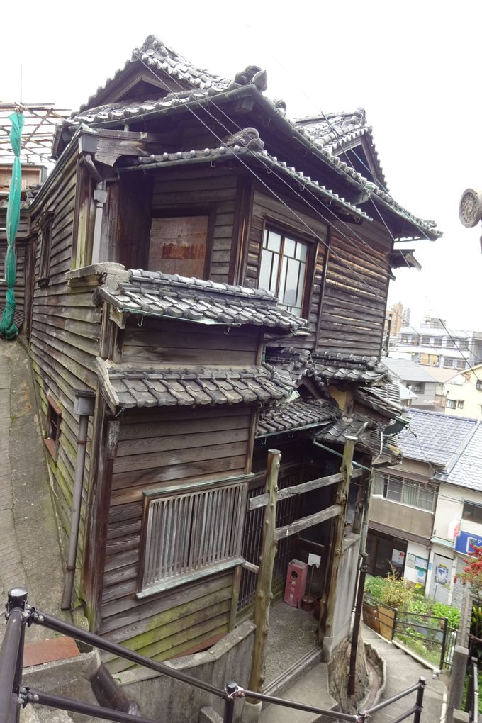 昭和初期の別荘を利用した「ガウディハウス」