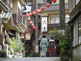 大分県「湯平温泉」石畳を湯めぐり〜趣ある生粋の湯治場へ!
