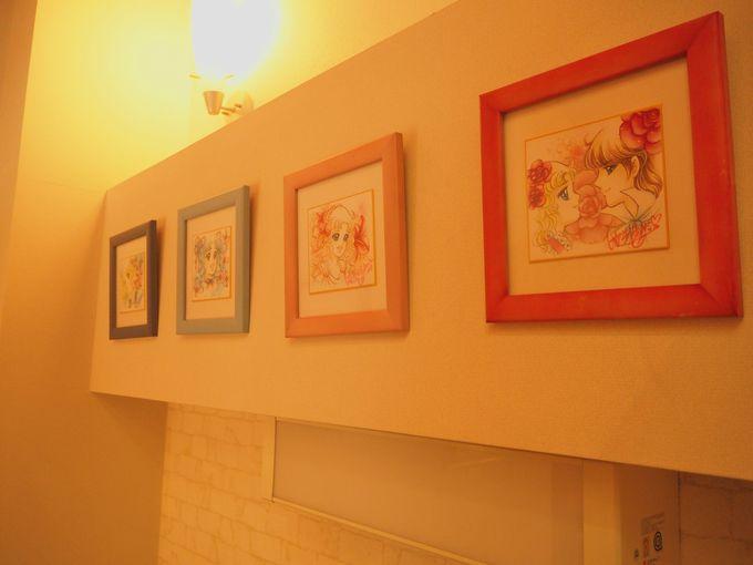 展示室へと移動する「階段ギャラリー」も魅力スポット