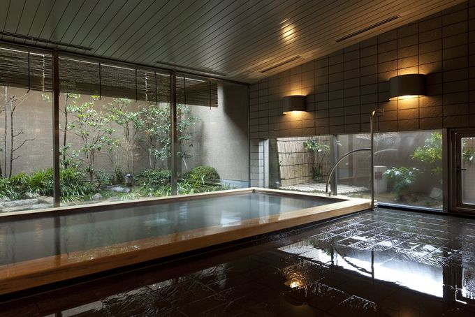 大浴場「ガーデン浴場」では、旅の疲れもビジネスの緊張もほぐしてくれる