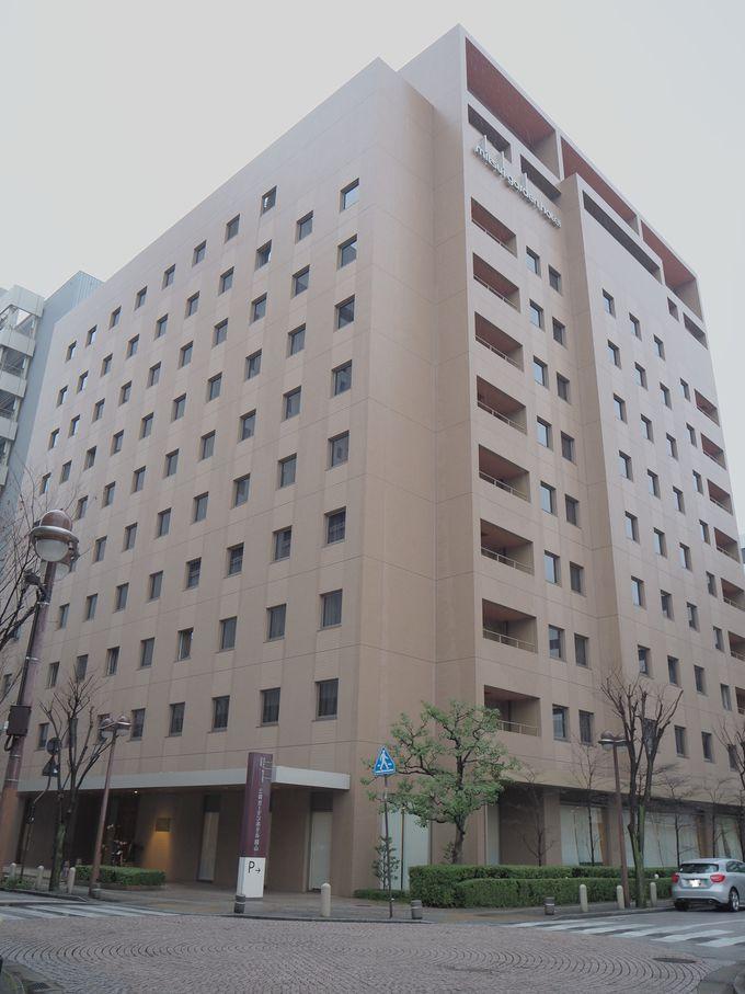 駅のホームからも見える茶色の建物が目印!「三井ガーデンホテル岡山」