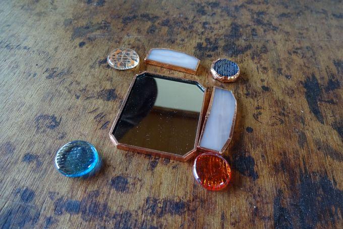 色ガラスで、あなたはどんな素敵小物を作りますか・・