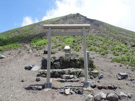 龍馬もお龍も登った鹿児島・高千穂峰〜天孫降臨の地の絶景も見事