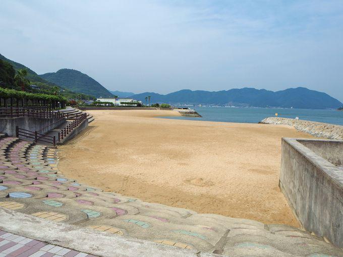 三原市すなみ海浜公園で、海水浴や海辺の散歩を楽しむ