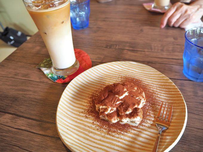 ランチは日替わり、カフェタイムはオリジナルコーヒーを楽しむ!