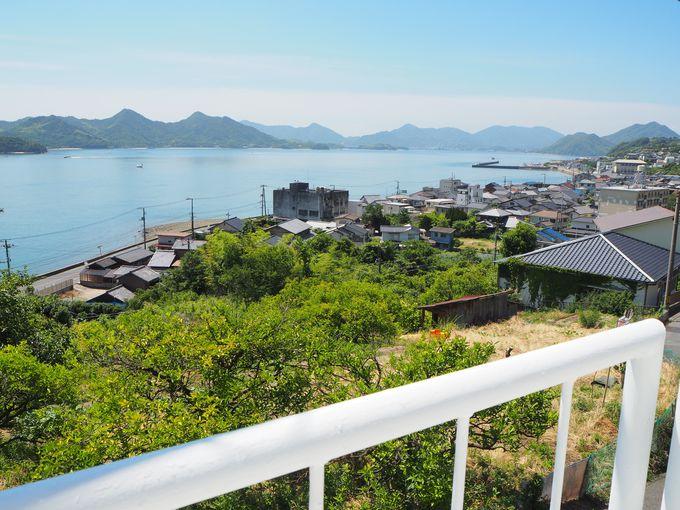 坂道を登って「ネジロハウスSUNAMI」へ〜素晴らしい景色にうっとり