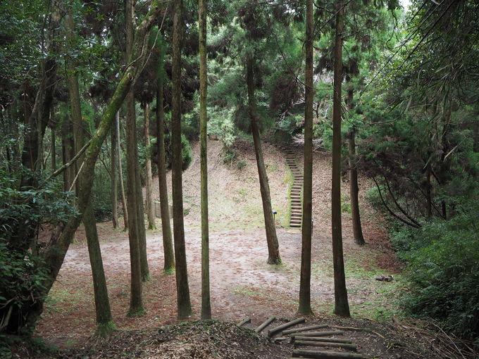 本丸から蔵之城へ〜南九州独特の山城を味わう