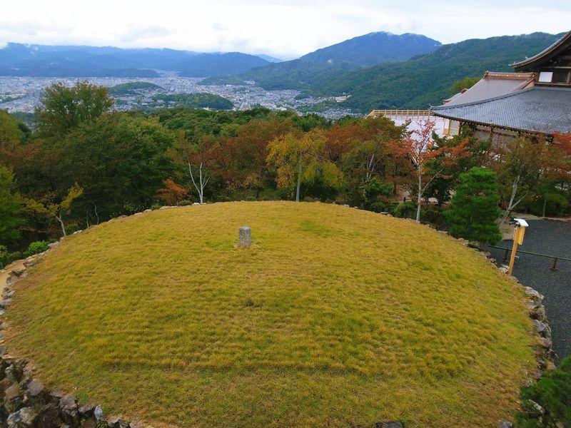 清水の舞台はもう古い!?京都・将軍塚に巨大な舞台が完成!