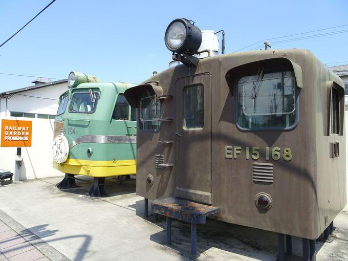 必見スポット4:道路沿いに展示!歴史のあるD51形式蒸気機関車