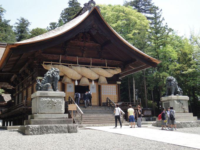 秋宮の神楽殿は国の重要文化財!
