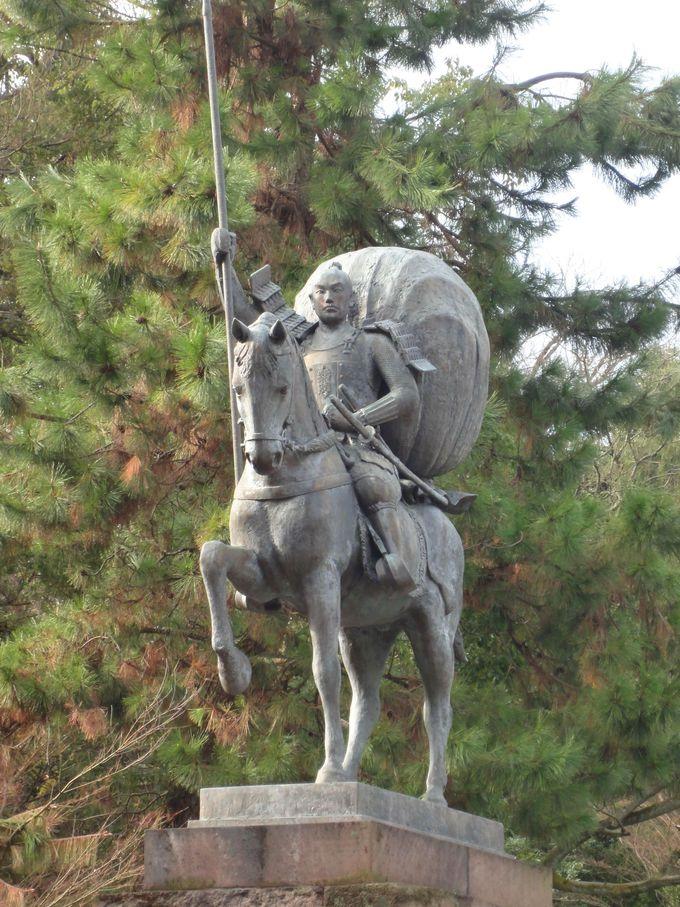 槍の名手!「槍の又左」前田利家公像