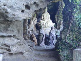 千葉「鋸山 日本寺」はトレッキングできる天然の大博物館
