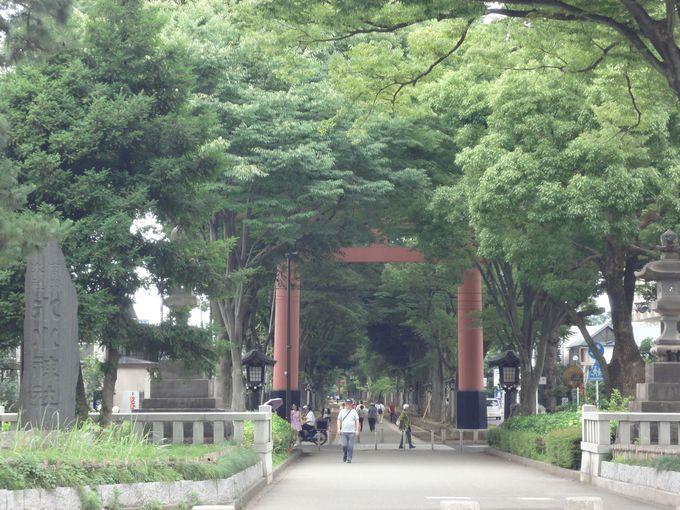 武蔵一宮・氷川神社「二の鳥居」に到着