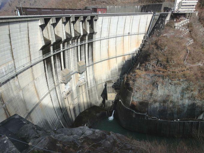 アーチ式では日本で4番目に高い「川治ダム」