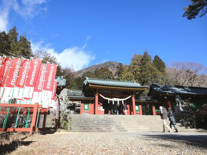 霊峰・男体山のパワーがふりそそぐ「日光二荒山神社中宮祠」