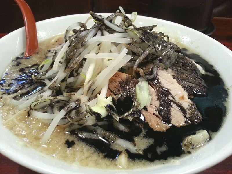 実はラーメン激戦区!さいたま「大宮駅東口」人気店4選 黒いラーメンも!?