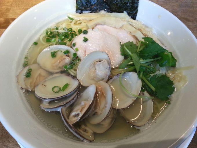 名物の蛤そばが食べられる!薄皮餃子と中華バル「KOBUTA」