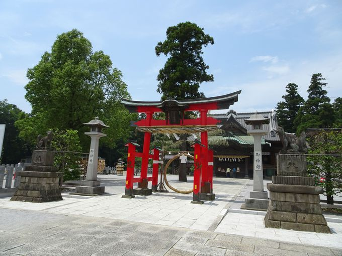 創建1300年以上の歴史をもつ古社! 「箭弓稲荷神社」のご利益は?