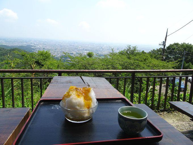 太平山神社の境内にも茶屋が2軒。かき氷もオススメ