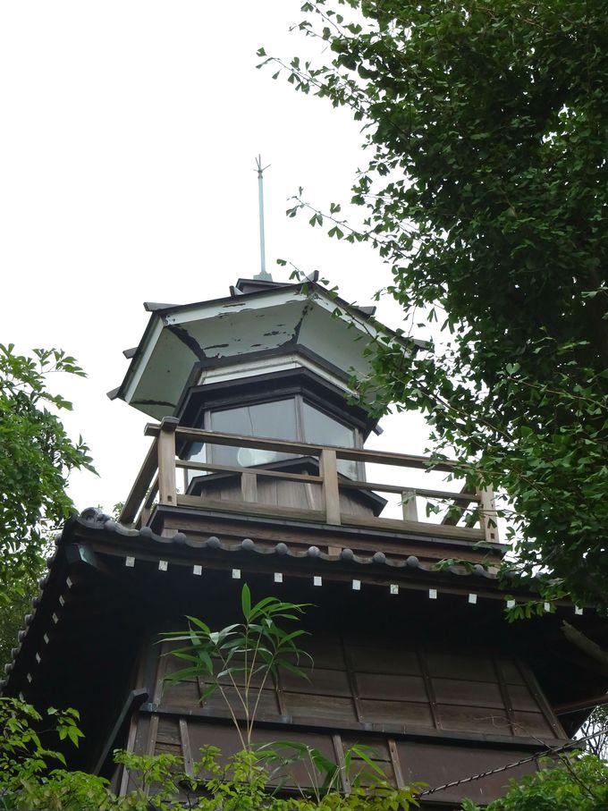 船橋大神宮のシンボル的存在「灯明台」