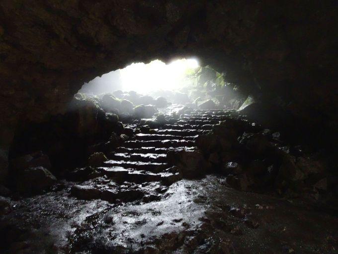 洞窟から出る時にちょっとした癒しが得られる