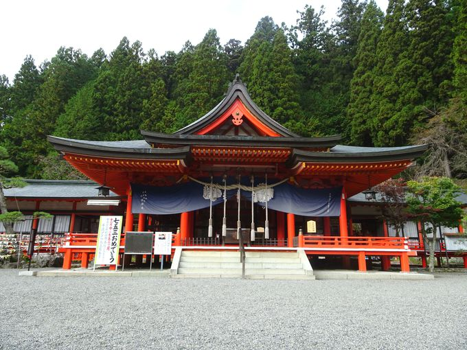 山梨「御岳山 金櫻神社」…ご祭神およびご利益は?