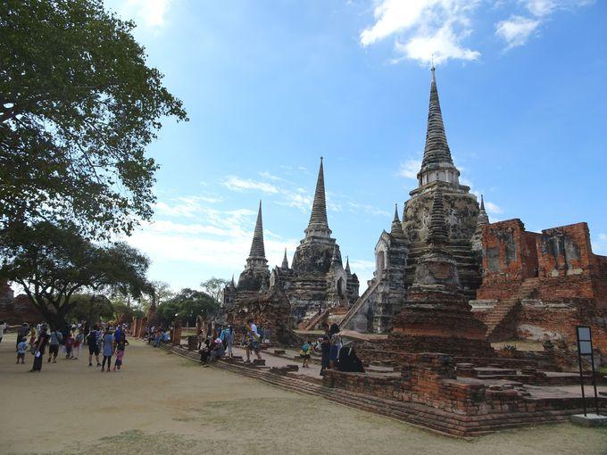 立ち並ぶ3基の仏塔が有名! 「ワット・プラシーサンペット」