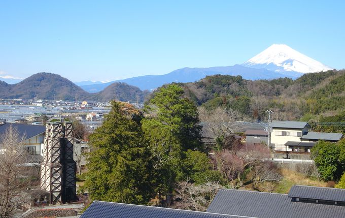 展望デッキから!富士山×韮山反射炉の世界遺産コラボレーションを望む