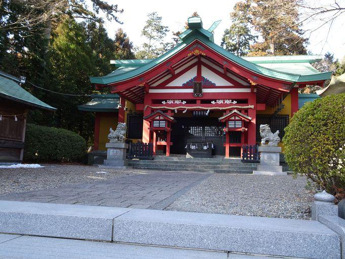 """ご神水""""木の花名水""""をいただける「新橋浅間神社」"""