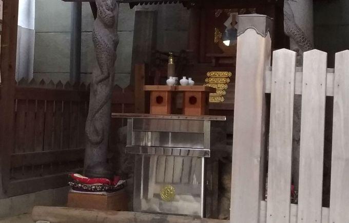 白蛇さまがお祀り! 白龍神社の「末社」