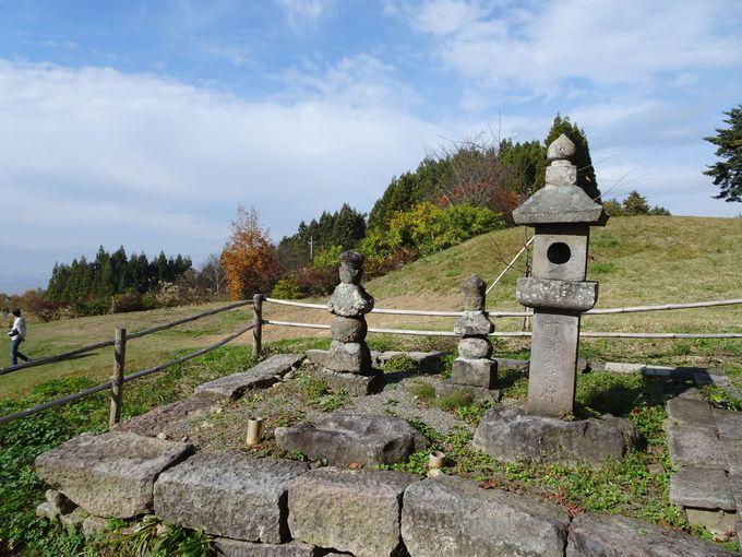 皆神山の修験道を完成させた方がお祀り「侍従神社」