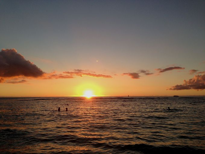 ワイキキのビーチではないみたい!落ち着いた雰囲気のカイマナビーチ